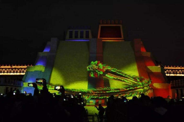 Noche de luz y sonido en el Zócalo